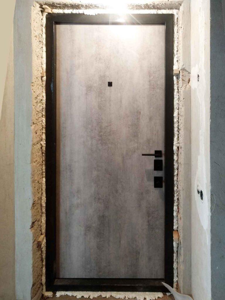 Straj_гладкая_бетон серый