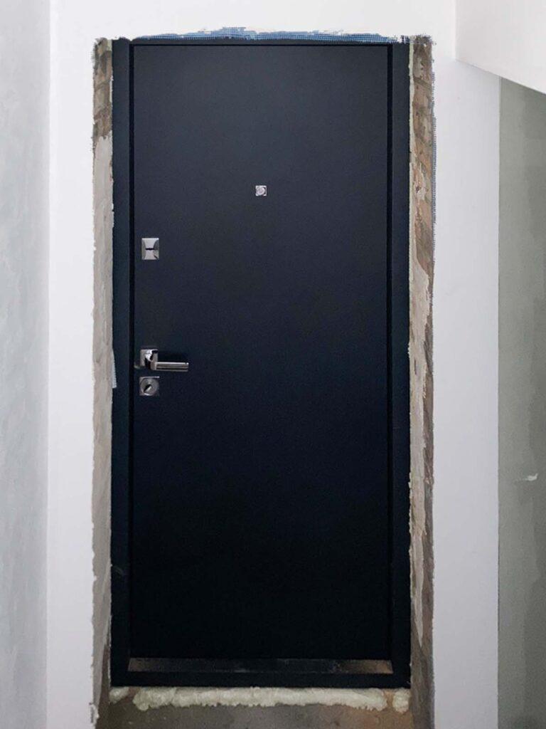 двері_ Страж_гладка_антрацит